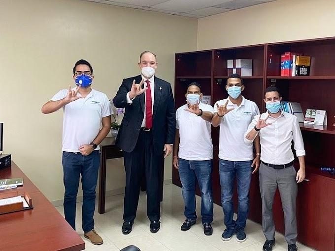 Senador José del Castillo apoyará proyecto de lenguaje de señas