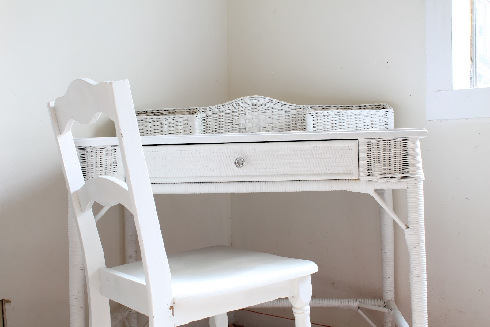 Walrus White Vanity And Chair Set Sold On Craigslist