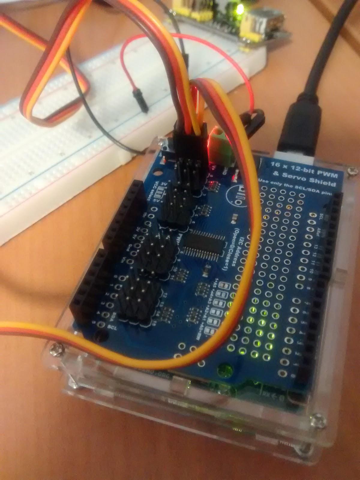 Debian su hardware obsoleto servo shield per arduino