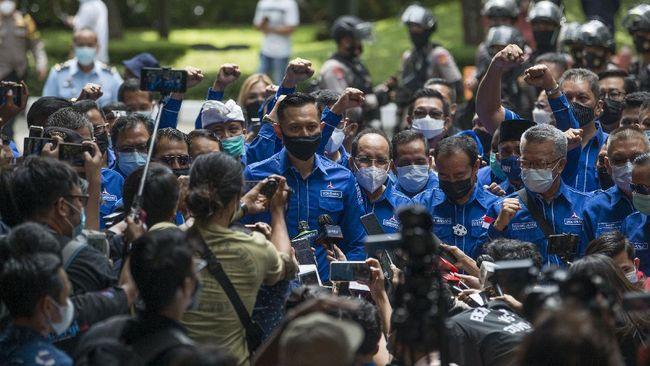 Jelang Penentuan Demokrat: Kubu AHY Gelar Nobar, Moeldoko Katanya Sibuk Urus Rakyat