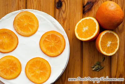 Sernik z pomarańczami i kardamonem