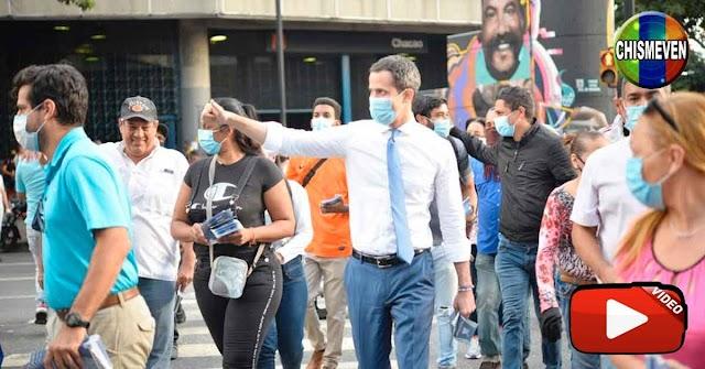 Juan Guaidó viajó en el Metro de Caracas entre gente común y marginales