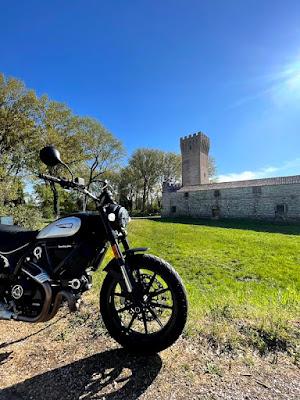 Test Ride Ducati Scrambler Icon Dark MY 2021