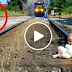 كلب ينقذ طفل من القطار ! فيديو يحبس الأنفاس