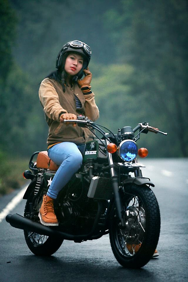 Girl With Bike Hd Wallpaper Modifikasi Motor Keren Ala Custom Bike Asal Solo