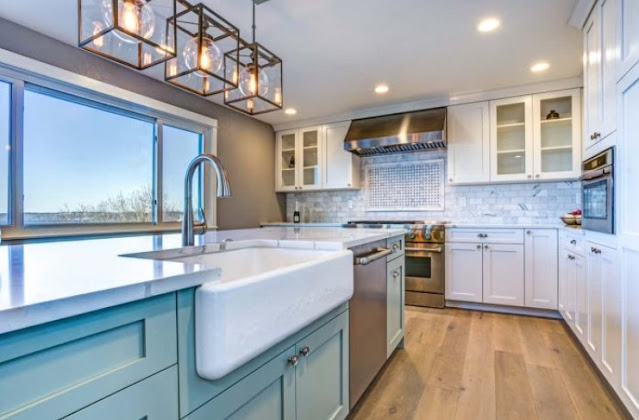 kitchen backsplash with white cabinets pictures