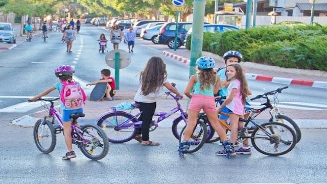 منع الفتيات فوق سن الخامسة من ركوب الدراجات في إسرائيل ! و السبب غريب جداً!