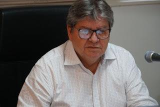João Azevêdo comemora marca de 100 altas hospitalares de pacientes recuperados da covid-19 no Hospital Metropolitano