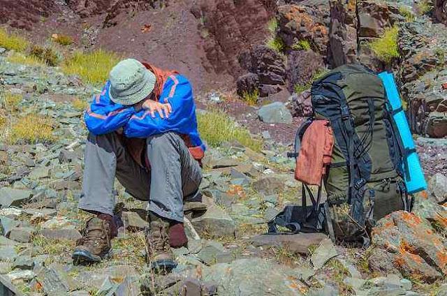 Cara Menangani Gejala Acute Mountain Sickness Ketika Berada di Gunung