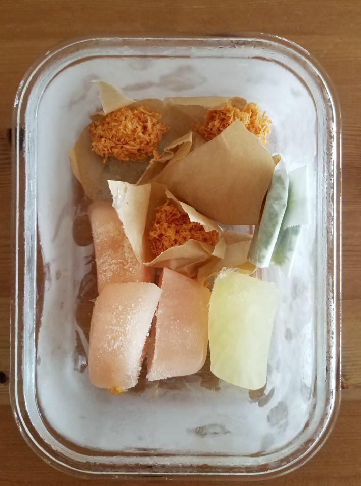 Ralladuras y jugo de cítricos congelados para uso posterior