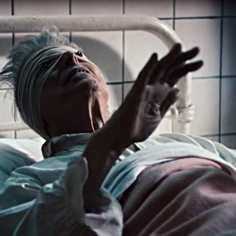 Dawid Bowie, Lazarus, from the music video