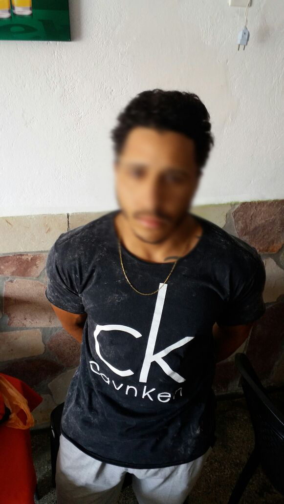 Homem é preso suspeito de passar notas falsas na região da Chapada