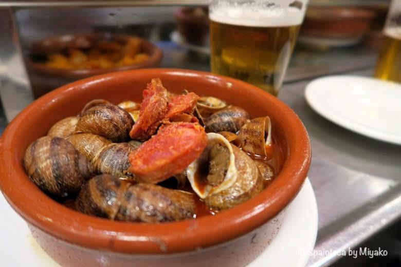 CASA AMADEO LOS CARACOLES陶器に盛られるマドリードの下町の味の珍味カタツムリ