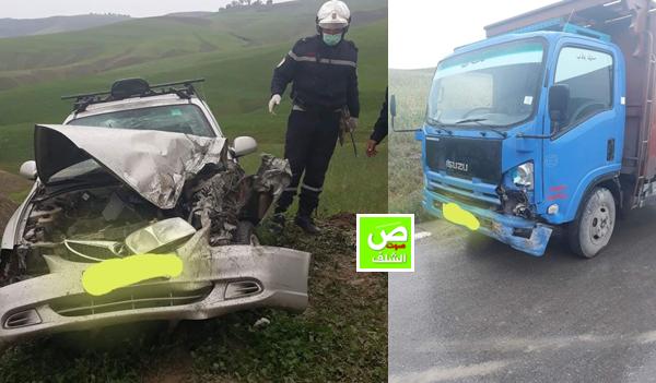 إصطدام سيارة أجرة بشاحنة بين بلديتي بوزغاية وتاجنة