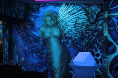Malarstwo ścienne, malowanie obrazów farbami akrylowymi, artystyczne malowanie ścian 3D, obrazy malowane na ścianach
