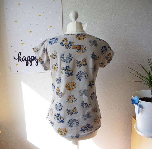 Rückasicht mir SnapPap Label - Shirt Kimonotee aus Jersey Grau mit Blumen Schnittmuster für Frauen (Freebook) von MariaDenmark  selbst genähtes Damen Oberteil