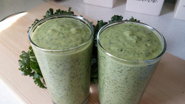 Kale, Hemp, and Avocado Smoothie Recipe - The Big Riddle