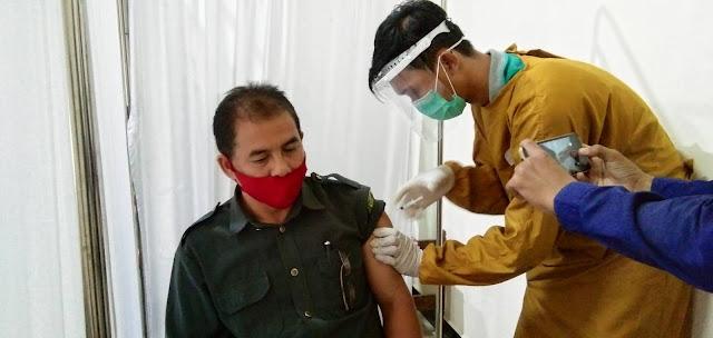 4 Instansi di Sinjai Hari ini Disuntik Vaksin
