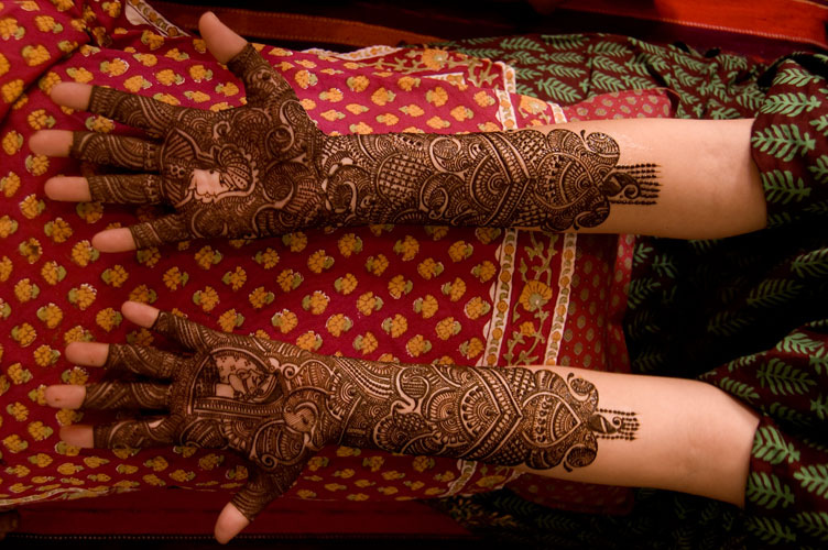 Mehndi Photography Facebook : Karva chauth mehndi designs for facebook cover page