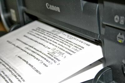 Принтер  Canon PIXMA MG2240 в процессе печати
