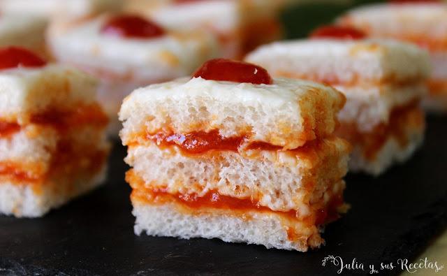 Canapés de queso crema y mermelada de pmientos