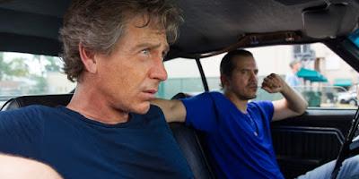 Danny en el coche con Ozzy, un amigo del pasado con el que cometió un robo