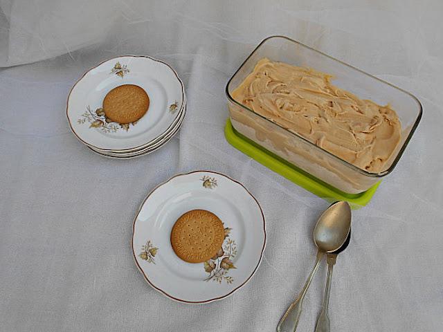 gelado de bolacha maria receita