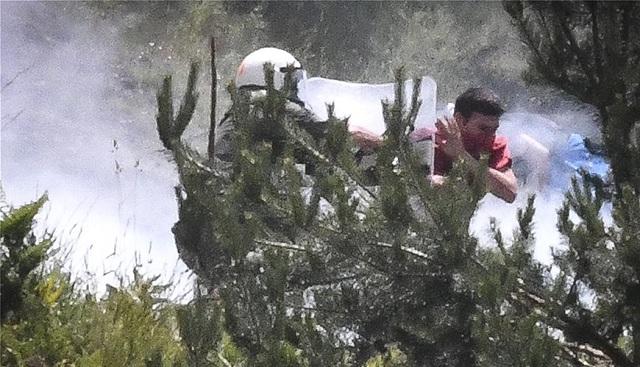 Σοβαρά επεισόδια στο Πισοδέρι: Επνιξαν το χωριό στα δακρυγόνα - Υπάρχουν τραυματίες