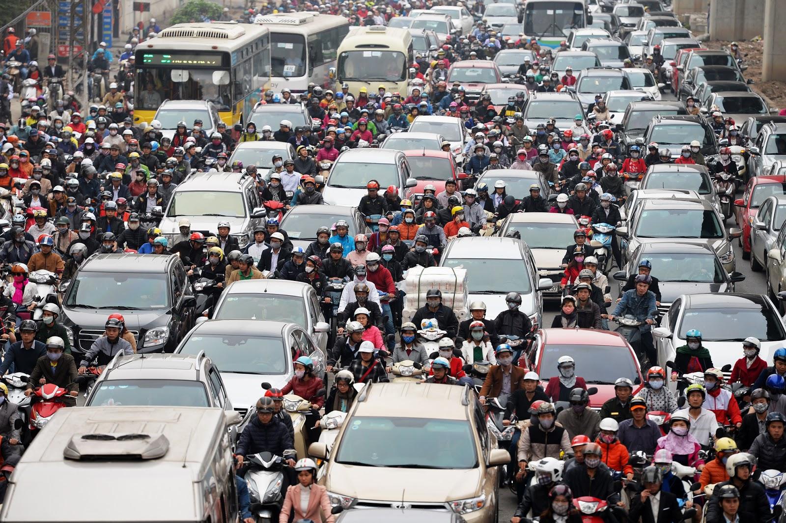 Mật độ dân số với quy hoạch và giao thông đô thị của Hà Nội và Thành phố Hồ Chí Minh