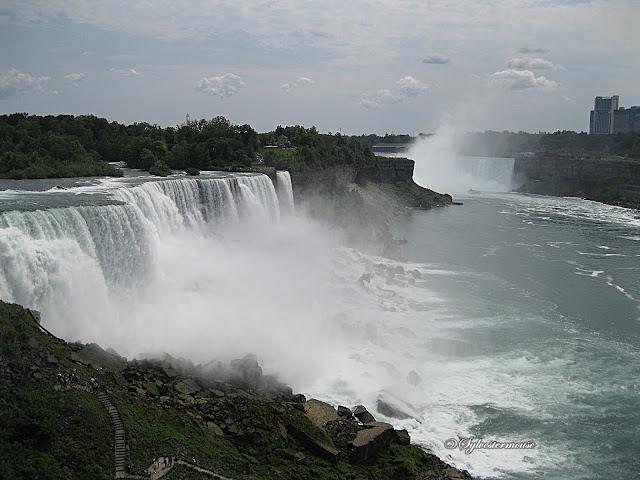 Niagara Falls photo by Sylvestermouse