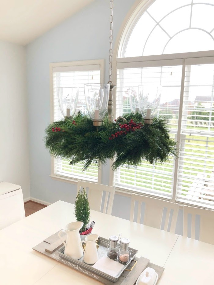 Our Less is More Christmas Dining room
