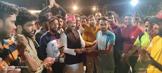 सपा नेता जावेद अंसारी ने किया स्व0 आसिफ नाइट क्रिकेट टूर्नामेंट का उद्घाटन