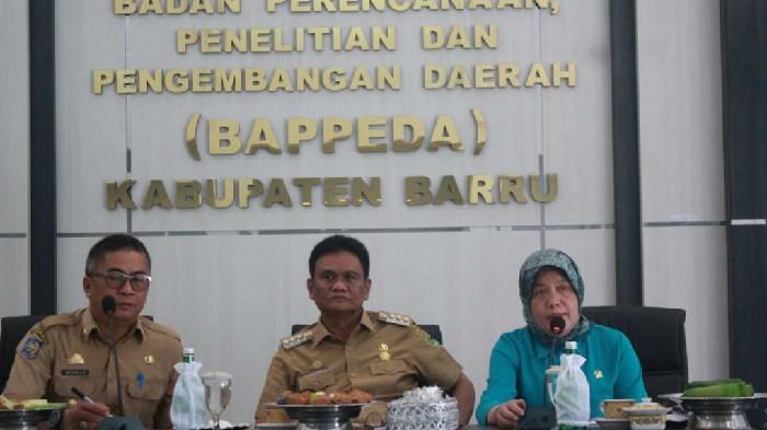 Beri Pengarahan di Rakor Kabupaten Sehat, Hasnah Syam Berbagi Pengalaman