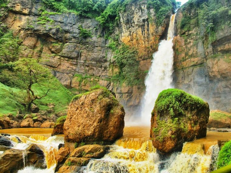 cucun cahyati: 3 Tempat Wisata Di Sukabumi Wajib Dikunjungi