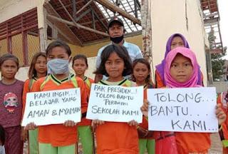 Kondisi Sekolah Memprihatinkan, Siswa SDN Bajo Pulau Belajar di Tengah Keterbatasan