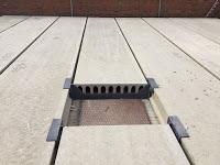Percha metalica para cuelgue de placas de forjado