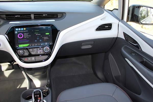 Chevrolet Bolt 2021 - interior