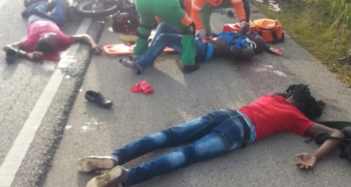 Mueren cuatro personas en accidente de dos motocicletas