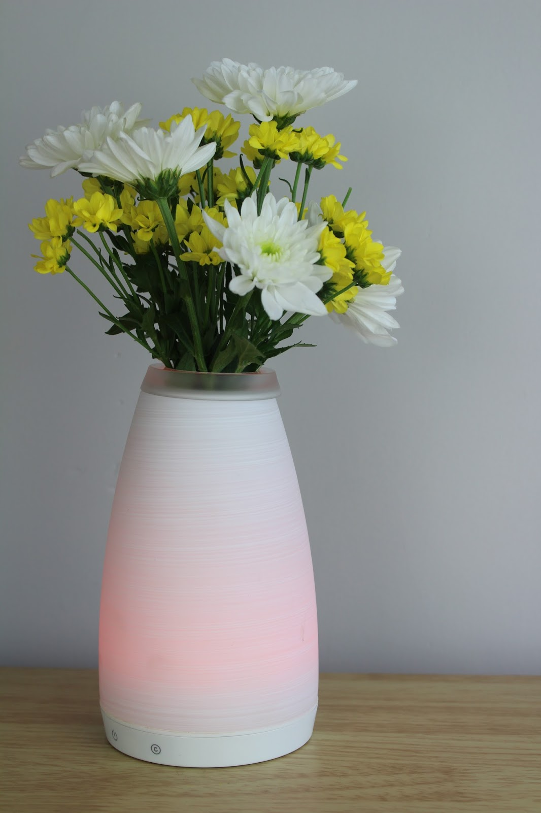colour changing vase