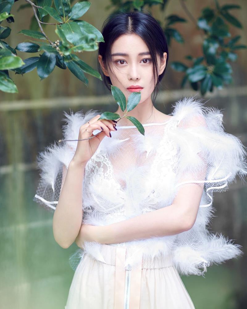Zhang Xinyu model seksi dan manis artis china