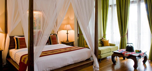 AriyasomVilla is a small luxury Boutique Hotel and Spa in the heart of Bangkok, superbly located just off Sukhumvit Road and near to Bumrungrad Hospital.