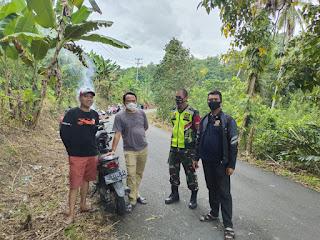 Jelang Lomba Desa Se Kabupaten Sinjai,Camat Bulupoddo Kerja Bakti Bersama Babinsa,Mahasiswa K3 UMSI Serta Mahasiswa KKN-P IAIM