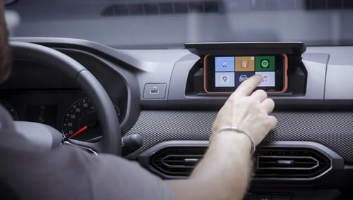 Dacia turns your phone into an information and entertainment display