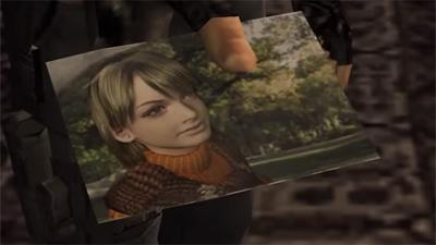 Leon ketika mencari Ashley dan menunjukkan foto kepada seorang warga El Pueblo, namun setelah itu ia di serang.