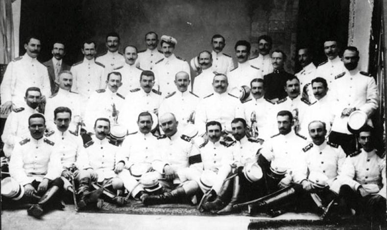 Μακεδονομάχοι αξιωματικοί στην πρώτη απελευθέρωση του Δεδέαγατς τον Ιούλιο του 1913