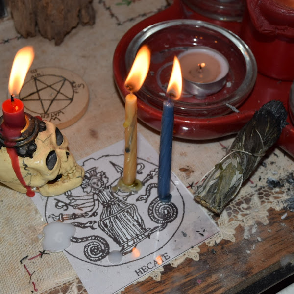 Thirty Days of Devotion to the Goddess Hecate
