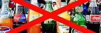 5 λόγοι για να κόψεις τα αναψυκτικά (και πώς να το κάνεις)