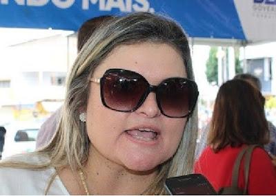 PREFEITA ANA CLEIA DE IBIRATAIA