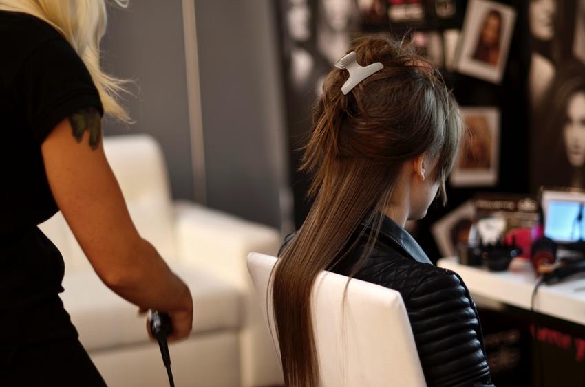 95907d710c Podczas każdego castingu stylistka Rowenty stara się stworzyć na moich  włosach coś szybkiego
