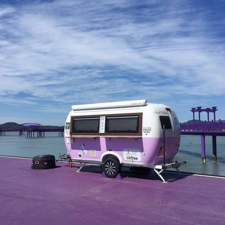 Purple Island, Banwol Island, Purple Island in South Korea, Purple Island in Korea, the most Instagrammed island in South Korea, Travelling to the violet world, half-moon island, Banwol-do, Purple Bridge, Banwall island, Buckji islands, Unusual graffiti , Amte-myon, Purple Cafe on Purple Island